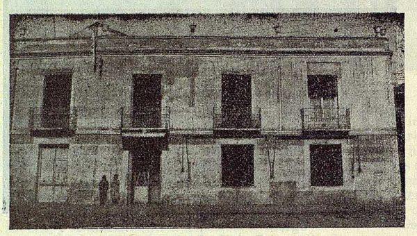 187_TRA-1923-197-Centro de Artes y Oficios, exterior del centro
