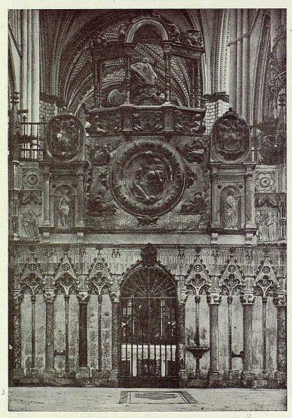 189_TRA-1926-229-Catedral, altar de la Estrella erigida por el Cardenal Borja-Foto Clavería