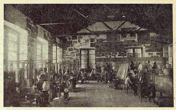 192_TRA-1923-197-Cerámica Juan Ruiz de Luna, taller de pintores