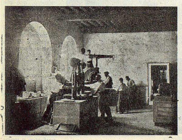 193_TRA-1923-197-Cerámica Juan Ruiz de Luna, taller de prensas