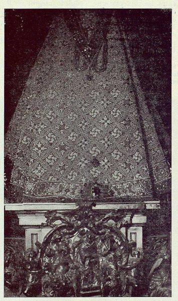 195_TRA-1923-198-Catedral, Manto de la Virgen del Sagrario, parte posterior