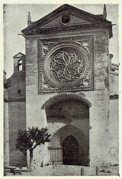 200_TRA-1923-197-Colegiata, puerta principal