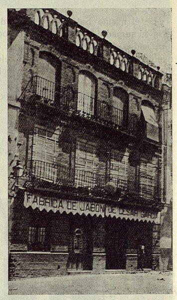 202_TRA-1923-197-César Garcýa y Sobrino, gran fábrica de jabones puros , fachada del despacho central y oficinas