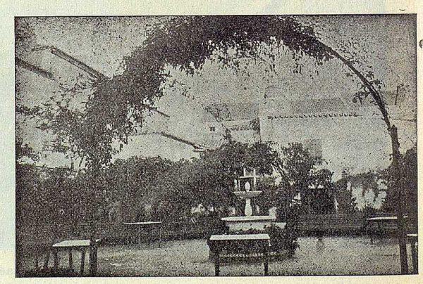 210_TRA-1923-197-El Centro de Amigos, sociedad recreativa, jardín interior