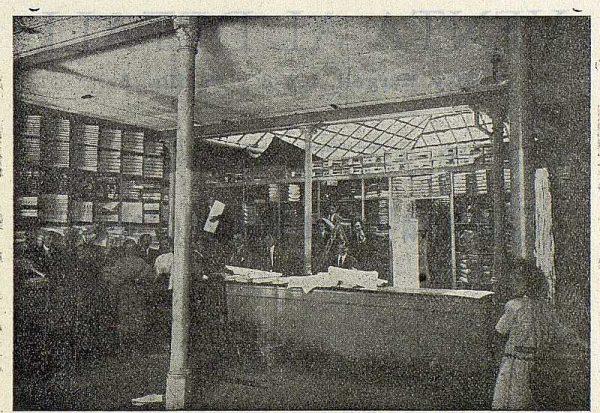 212_TRA-1923-197-El Paraíso, almacén de tejidos, interior de los almacenes