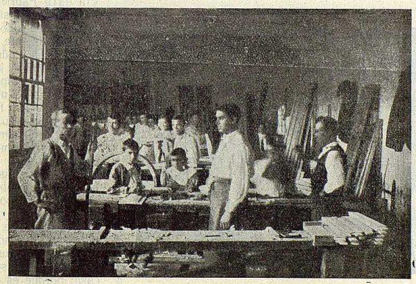 228_TRA-1923-197-La Industrial Moderna, maderas, taller de ebanistería