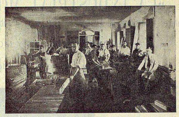 229_TRA-1923-197-La Industrial Moderna, maderas, taller de máquinas