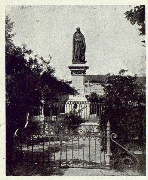 236_TRA-1923-197-Monumento al Padre Juan de Mariana en Talavera