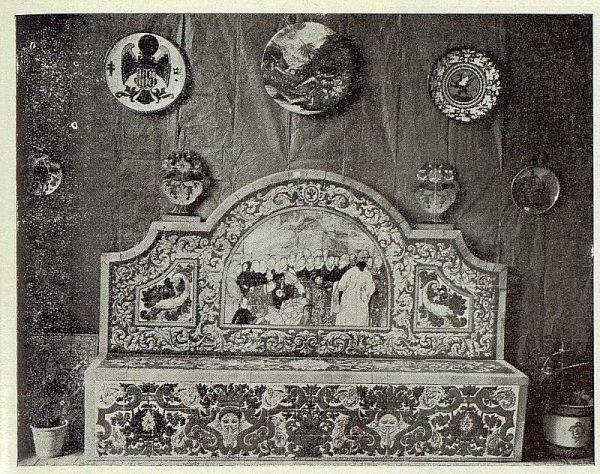 251_TRA-1923-198-Exposición de cerámica Ruiz de Luna, banco
