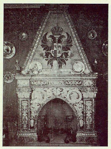 253_TRA-1923-198-Exposición de cerámica Ruiz de Luna, chimenea