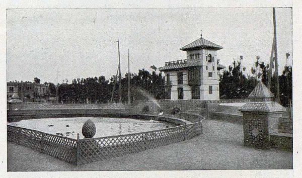 282_TRA-1930-275-Talavera, paseo del Prado, estanque para patos y palomar-Foto Rodríguez