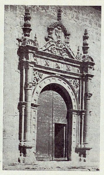 298_TRA-1922-187-Colegiata de Torrijos, puerta lateral