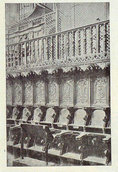 299_TRA-1922-187-Colegiata de Torrijos, sillería del coro