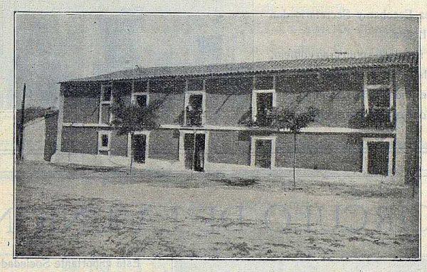 300_TRA-1922-187-Colegio de San Gil, fachada del internado