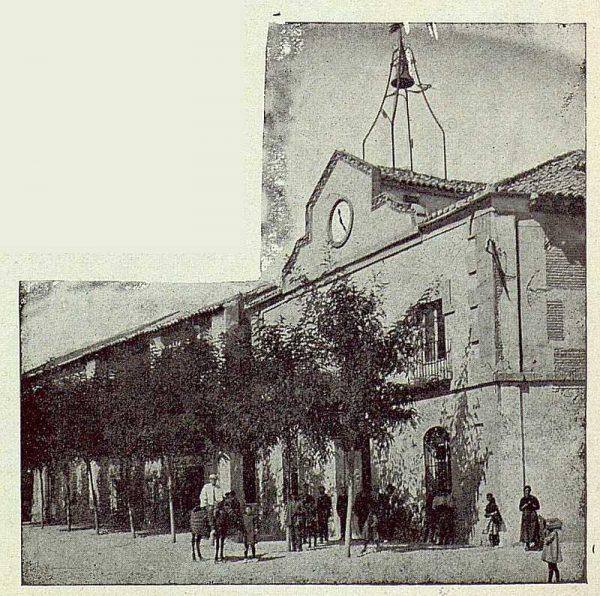 311_TRA-1922-187-Fachada principal del Ayuntamiento de Torrijos-Foto Vegue