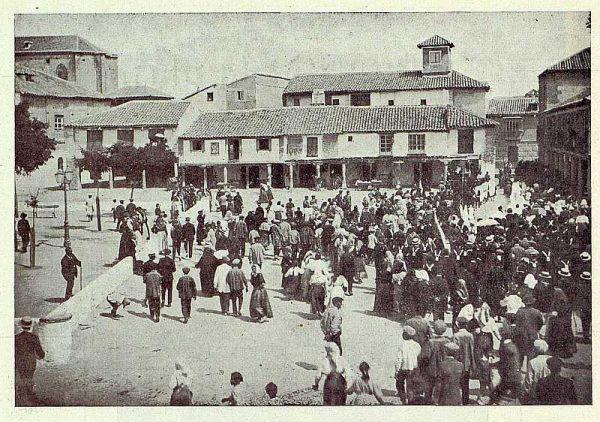 319_TRA-1922-187-Plaza en Torrijos-Foto Vegue