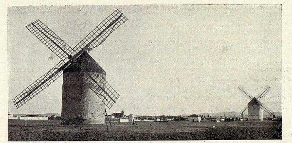333_TRA-1928-252-Molinos de Viento-02-Foto Rodríguez