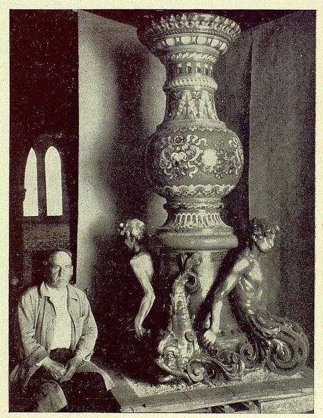 337_TRA-1930-279-Rosario-Argentina, regalo de una fuente de cerámica de Ruiz de Luna-Foto Rodríguez