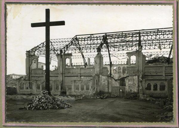 Año 1943-04-06 - 1944-08-06 - Derribo, desescombro y relleno del Picadero_3