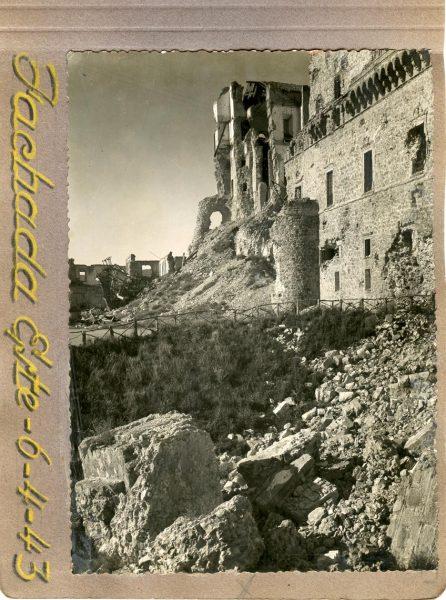 Año 1943-04-06 - Desescombro Fachada Este_7