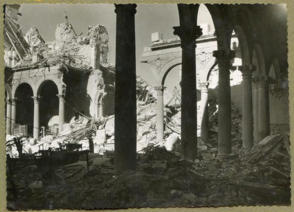 Año 1943-04-06 - Desescombro Patio de Carlos V_3