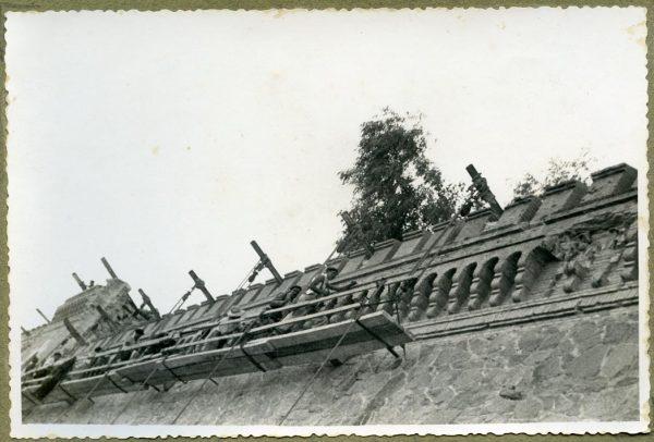 Año 1944-08-06 - 1944-10-10 - Camino del muro almenado_1