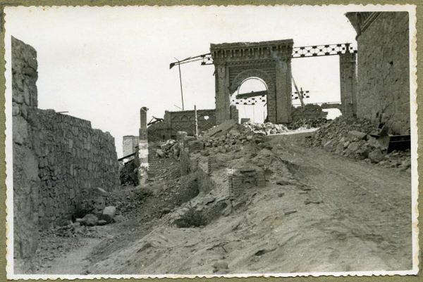 Año 1944-08-06 - 1944-10-10 - Camino del muro almenado_2
