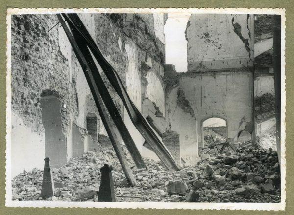 Año 1944-08-06 - 1945-07-28 - Desescombro y derribo Fachada Oeste_4