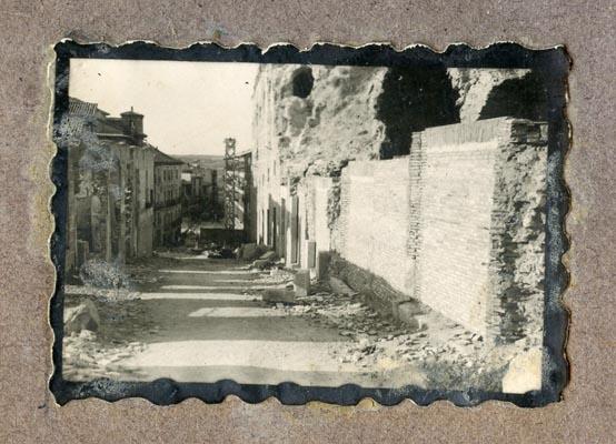 Año 1944-08-06 - 1945-07-28 - Desescombro y derribo Fachada Oeste_6