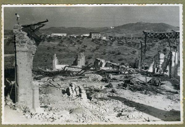 Año 1944-08-06 - Derribo y desescombro del comedor de alumnos_3