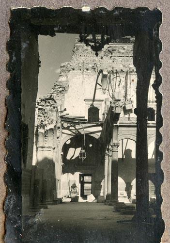 Año 1944-09-06 - Patio de Carlos V_00