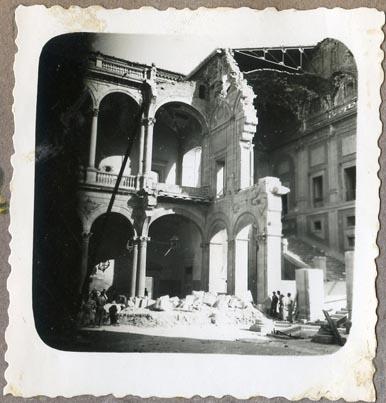 Año 1944-09-06 - Patio de Carlos V_02