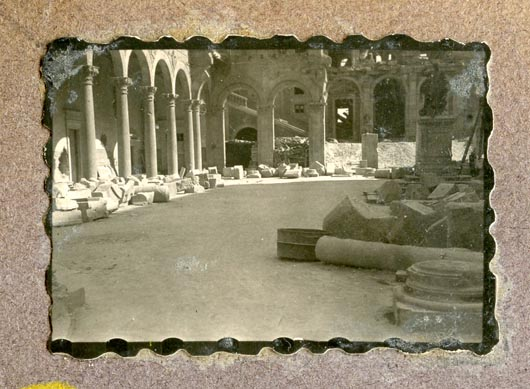Año 1944-09-06 - Patio de Carlos V_08