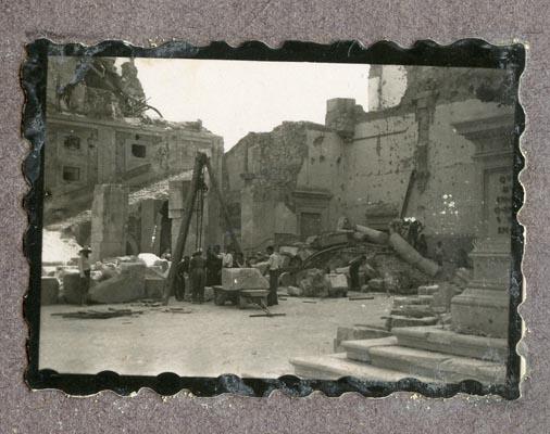 Año 1944-09-06 - Patio de Carlos V_11