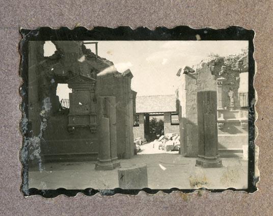Año 1944-09-06 - Patio de Carlos V_13
