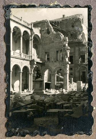 Año 1944-09-06 - Patio de Carlos V_14
