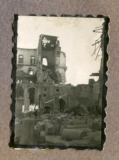 Año 1944-09-06 - Patio de Carlos V_15