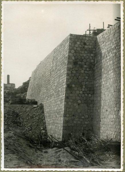 Año 1944-09-21 - Camino del muro almenado - Muro de contención_2