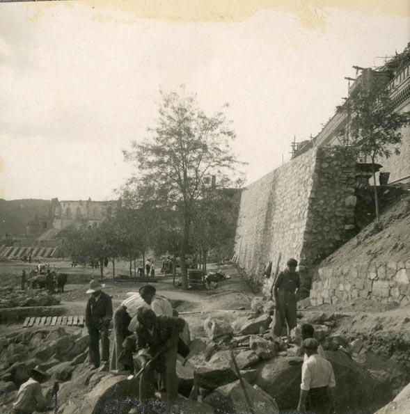 Año 1944-09-21 - Camino del muro almenado - Muro de contención_6