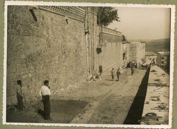 Año 1944-10-10 - Camino del muro almenado_2