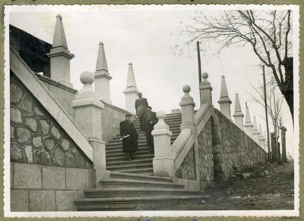 Año 1944-12-13 - Escalera fachada Norte_1