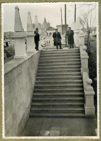Año 1944-12-13 - Escalera fachada Norte_2