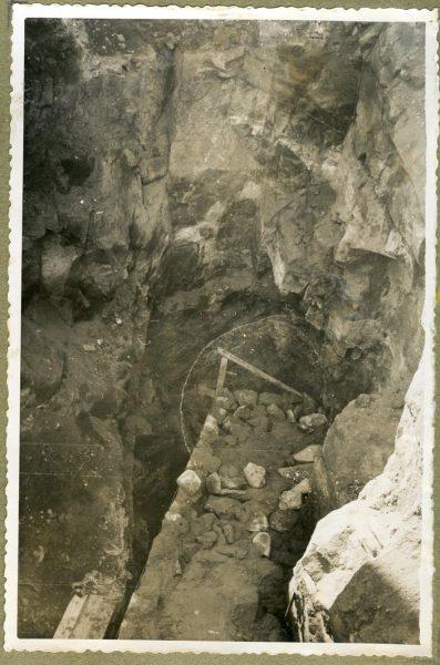 Año 1944-12-13 - Muro del camino del Corralillo_1