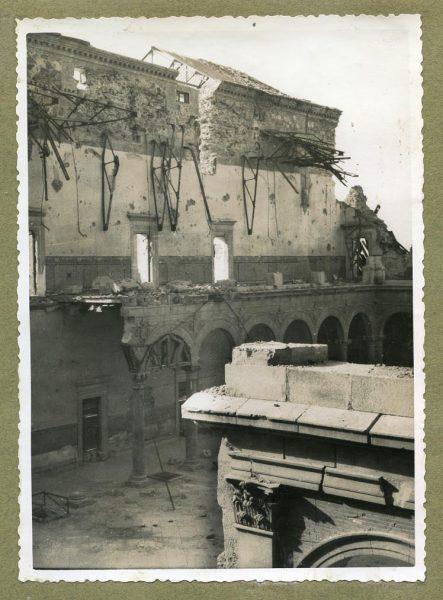 Año 1945-01-03 - Desescombro Patio de Carlos V_3