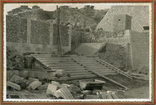 Año 1945-01-11 - Escalera de la cota 64 a la 69_1