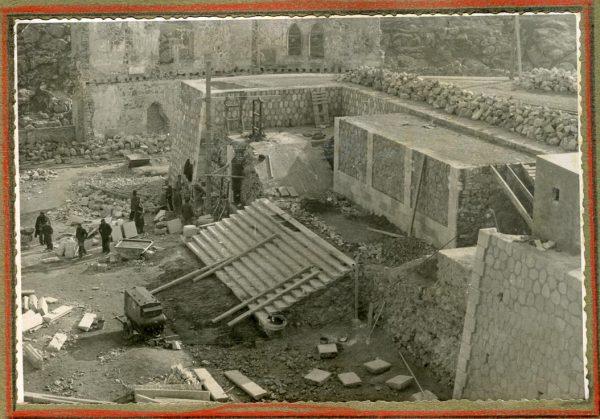Año 1945-01-11 - Escalera de la cota 64 a la 69_2