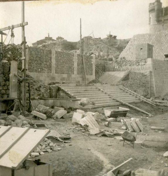 Año 1945-01-11 - Escalera de la cota 64 a la cota 69