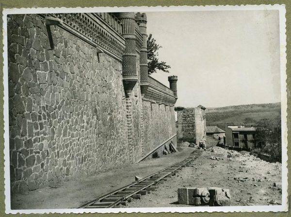 Año 1945-08-28 - Camino del muro almenado_1