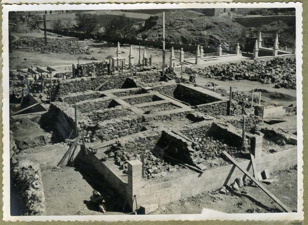Año 1945-08-28 - Escalera de la cota 69 a cota 77,68