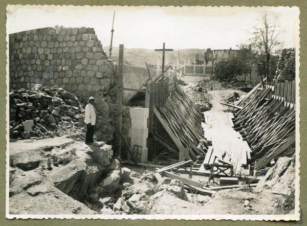 Año 1945-08-28 - Paso superior e inferior de la explanada del picadero_4